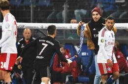 德国杯:汉堡1-3拜仁 里贝里遭球迷中指挑衅