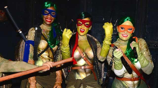蕾哈娜扮忍者神龟出街过万圣节