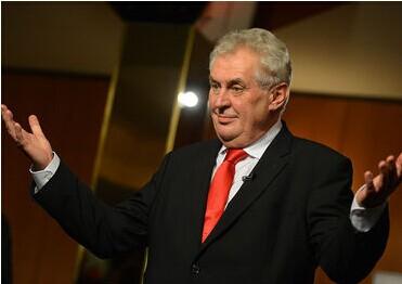 捷克总统广播节目中一边爆粗口一边赞美普京