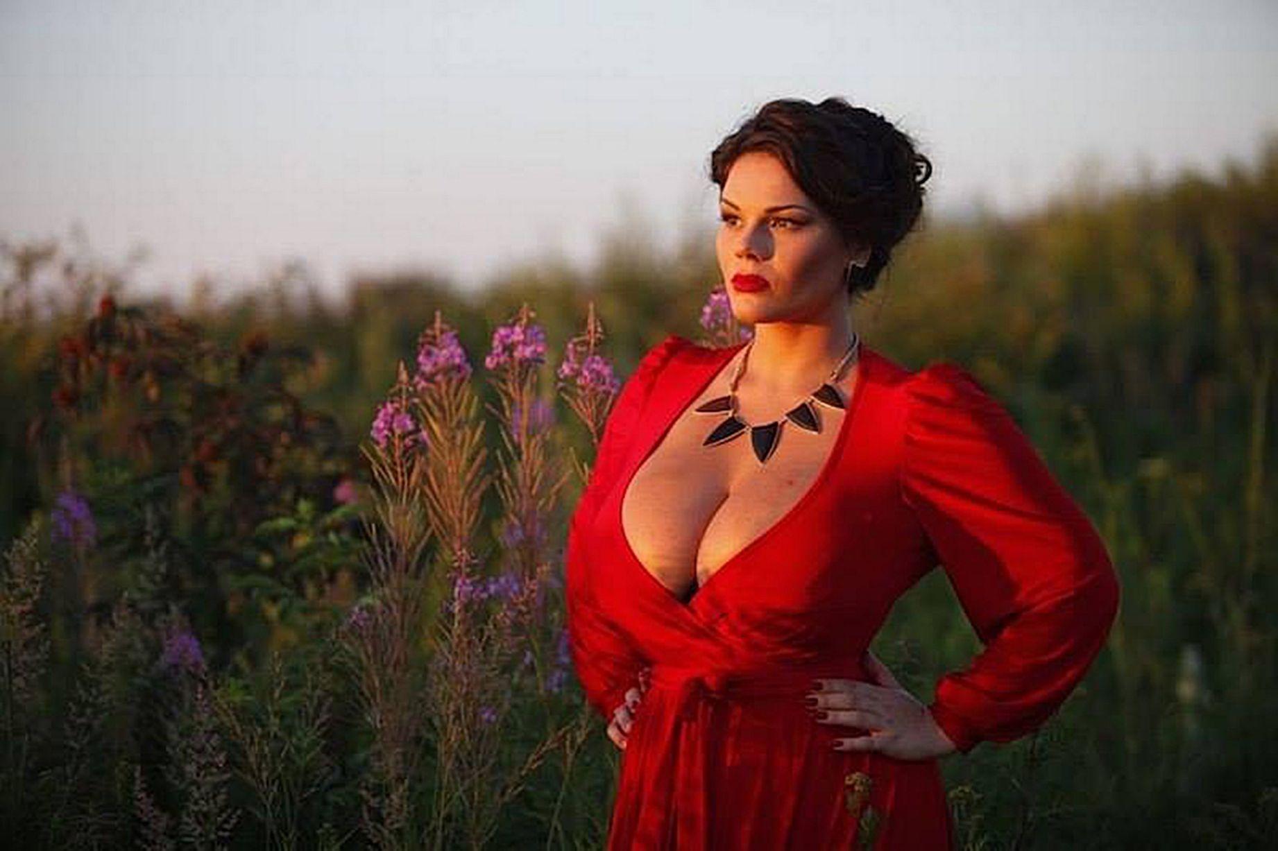 """选美赛场的硝烟:俄""""34K顶级美女""""引乌克兰不满"""
