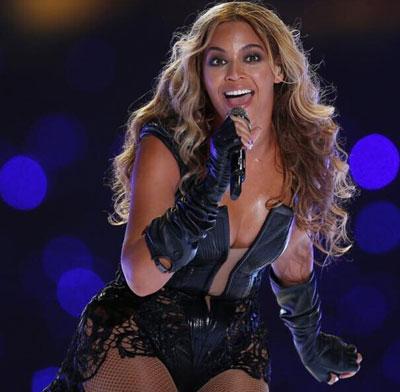 全球收入最高的女歌手_全国女歌手收入排行榜