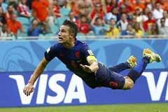 FIFA年度最佳进球候选:J罗世界波范佩西鱼跃