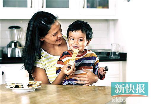 胃病可通过嘴对嘴喂食传给孩子