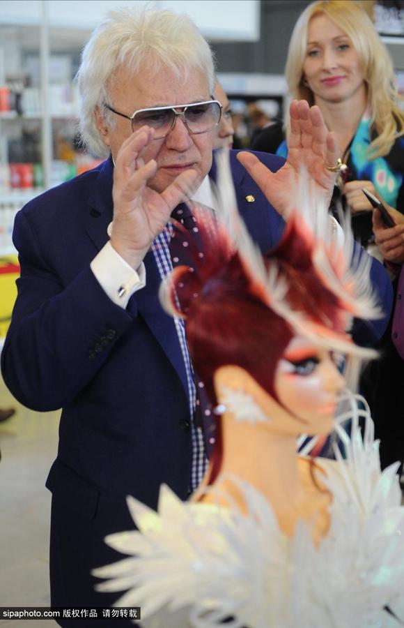 欧洲美发艺术大赛举行:发型师的世界我们不懂图片