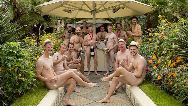 英国众男园丁再拍裸体慈善日历(图)