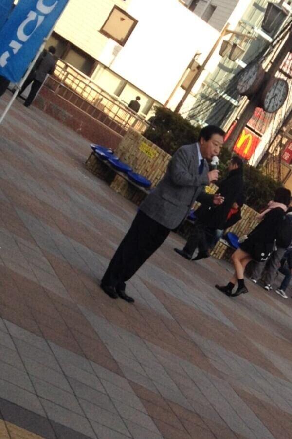 日前首相野田佳彦街头演讲听众为零