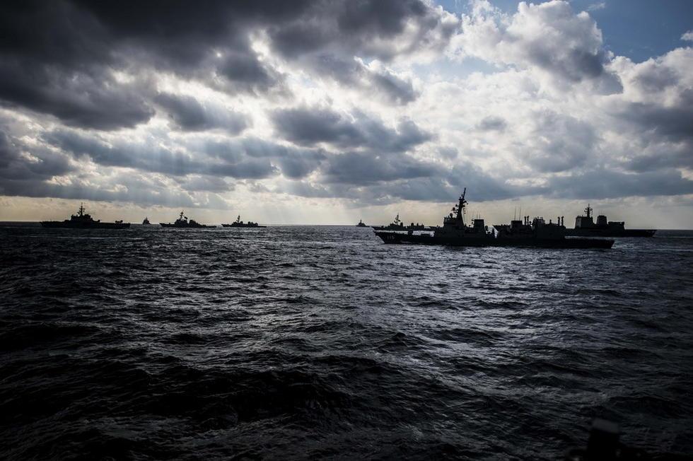 美日演习规模庞大海上舰影如林