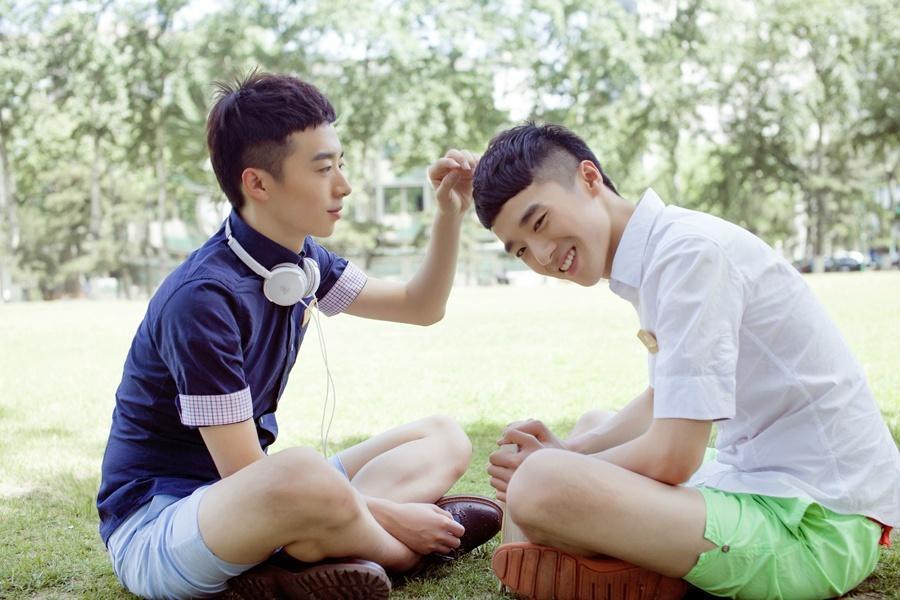 """""""北大最帅双胞胎""""爆红 小胖子逆袭成男神"""