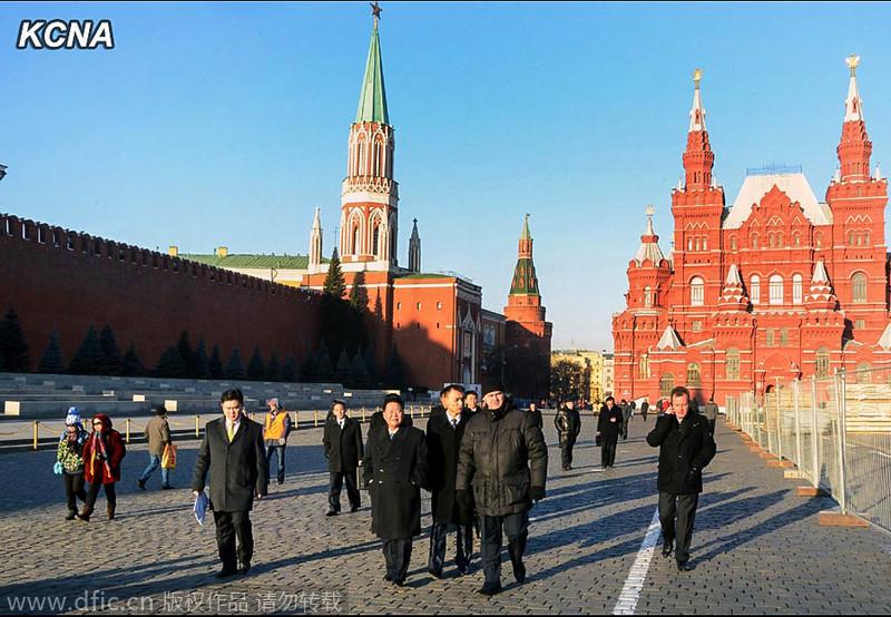 朝中社公布崔龙海访俄照片 参观列宁墓地和军事博物馆