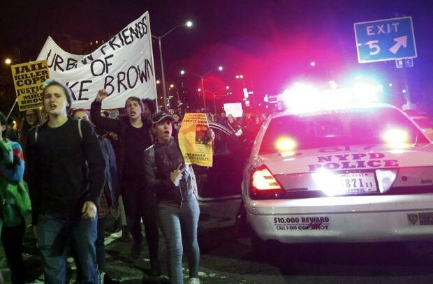 """美弗格森判决""""火烧""""170城 时代广场10人被捕"""