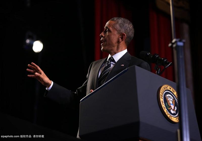 奥巴马芝加哥演讲推动移民计划 遭抗议者当场指责