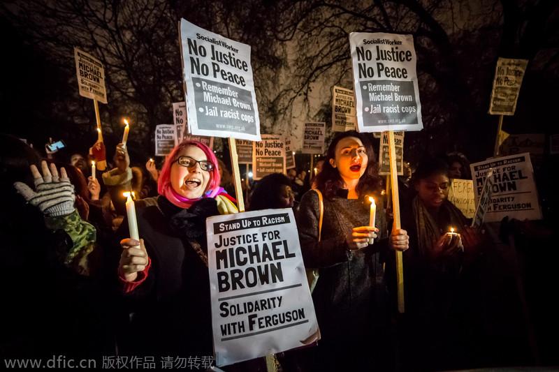 英国民众烛光守夜 抗议美警察枪杀黑人未遭起诉
