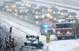 美国感恩节遇暴风雪 几千万人出行受影响