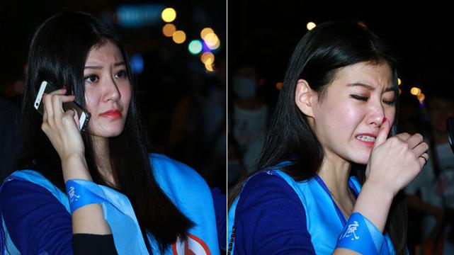 """国民党""""辣妹""""支持者 为连胜文败选当场痛哭"""