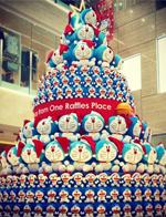哆啦A梦巨型圣诞树现身新加坡