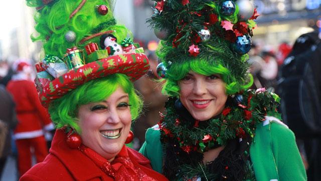 """圣诞慈善大游行:数百""""圣诞老人""""暴走曼哈顿"""