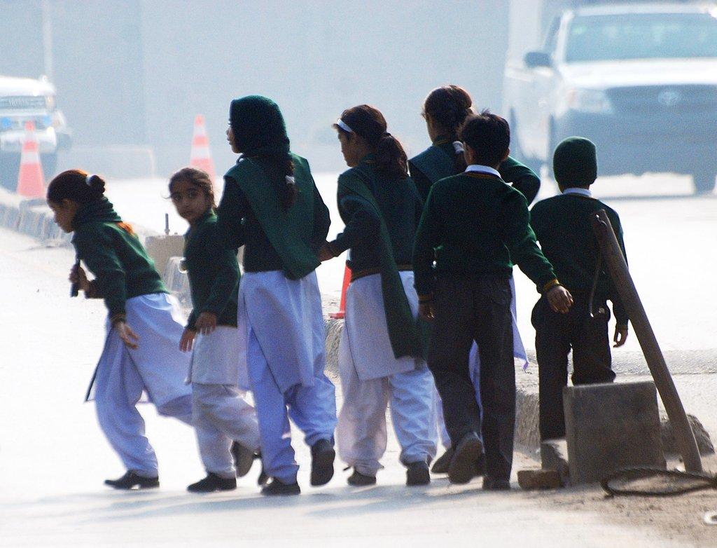 塔利班血洗巴基斯坦学校