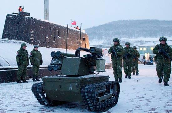 俄动用战斗机器人保卫潜艇