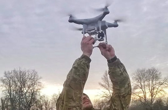 乌军用中国造航拍器侦察?