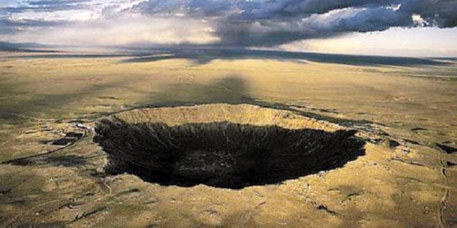 俄科学家:外星生命可能随陨石降落地球