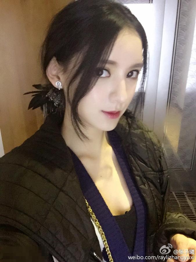 王思聪女友美艳私照曝光 曾获瑞丽封面女孩冠军
