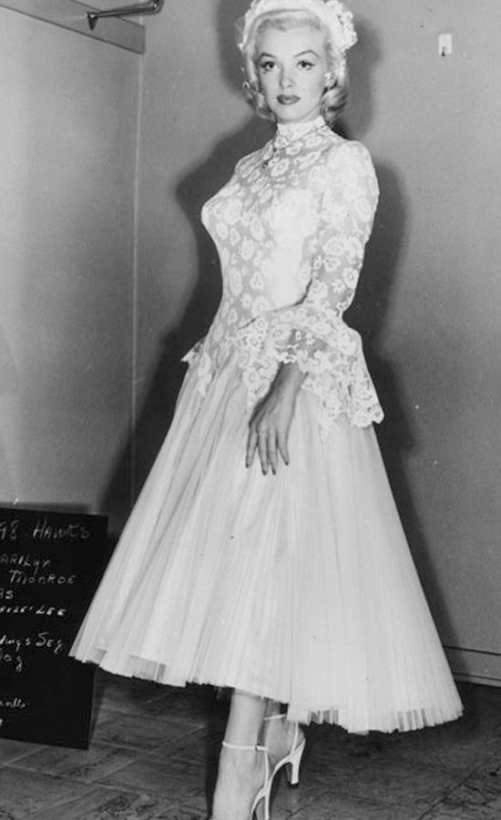 法媒盘点百年经典电影中让人难以忘怀的婚纱
