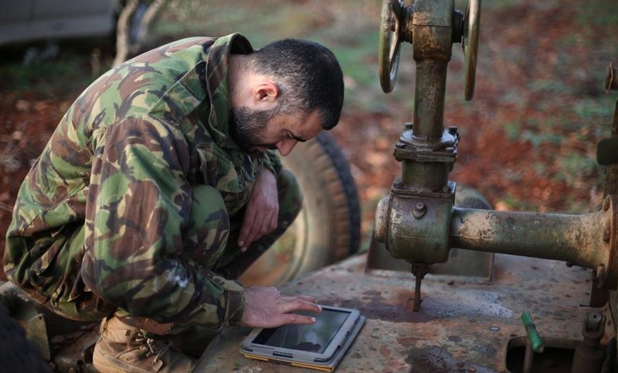 叙反对派火箭炮用iPad定位
