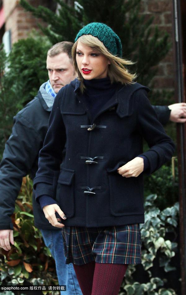 泰勒·斯威夫特12月22日纽约街拍
