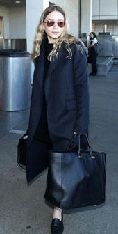 阿什莉·奥尔森12月23日洛杉矶街拍