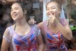 老挝泼水节湿身少女