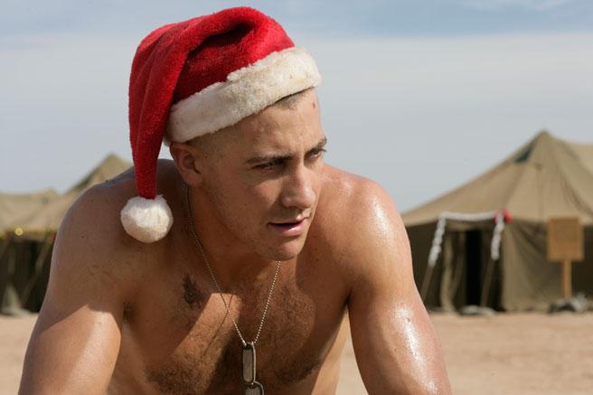 帅男扮圣诞老人抢镜 比比谁最有范儿