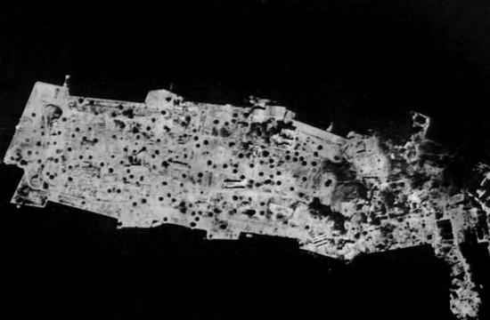 菲律宾小岛被炸成月球表面