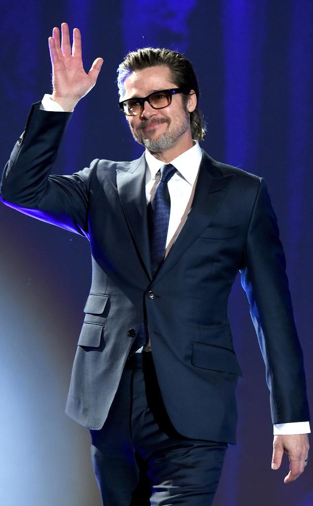 布拉德·皮特放声高歌棕榈泉国际电影节