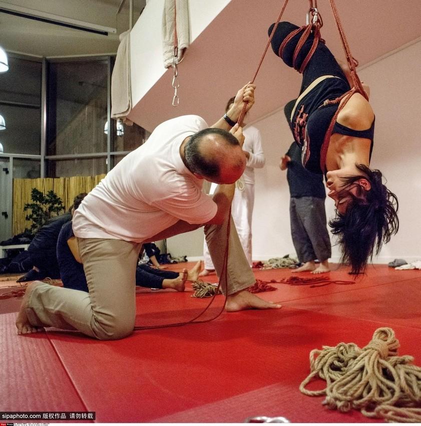 日本绳缚艺术:被虐式的美感 图片