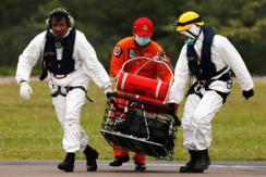 印尼搜救队打捞到更多亚航遇难者遗体