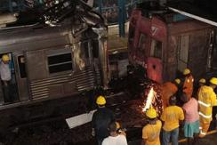 巴西两通勤火车相撞 至少40人受伤