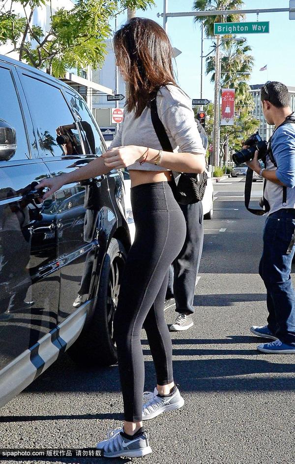 肯达尔·詹娜1月5日洛杉矶街拍