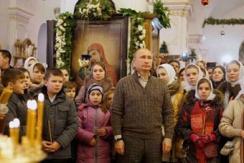 普京教堂迎圣诞 参观顿巴斯民众居住点