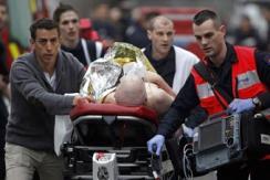 法国杂志社遭武装分子袭击现场画面曝光