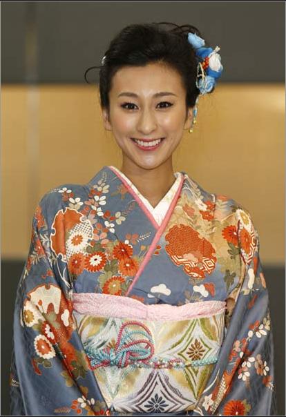 日本花滑女神姐姐和服亮相惊艳 不穿内裤引热议