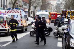 法国巴黎南部再发生交火 一名女警察死亡