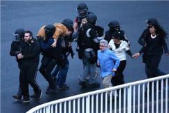 法特种部队强攻超市 被劫持人质获救