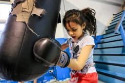 泰国儿童拳击手:挑战身体与精神的极限