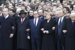 法举行反恐大游行 各国首脑手挽手
