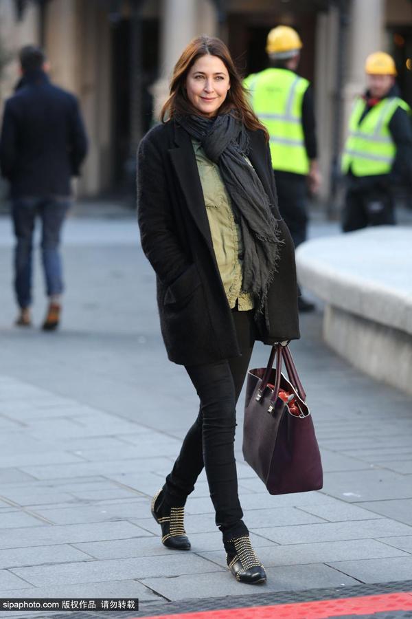爱丽莎·斯诺顿1月13日伦敦街拍