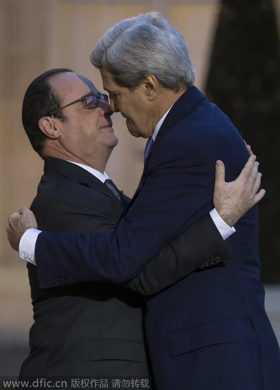"""克里会晤奥朗德支持反恐 称要""""拥抱巴黎"""""""