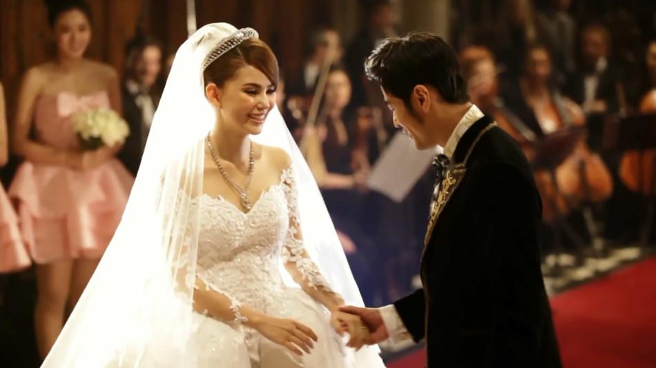 追星最高境界就是嫁给偶像!盘点这些粉丝成功嫁给偶像,童话般真实爱情故事!