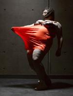 肥胖艺术家为胖子拍摄舞台写真照