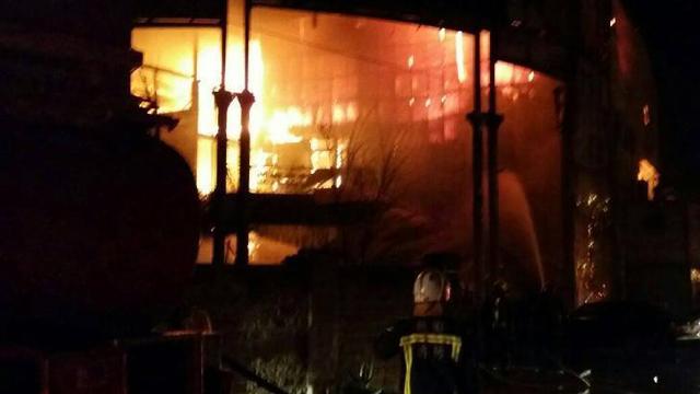 台湾桃园一保龄球馆火灾 6名消防员殉职