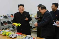 金正恩视察制鞋厂 要求做出高质量产品